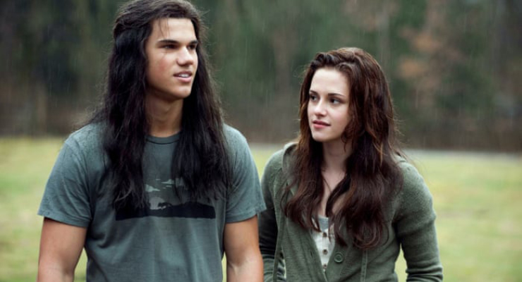 Bella and Jacob working together in Twilight symbolizing a positive professional development practice.